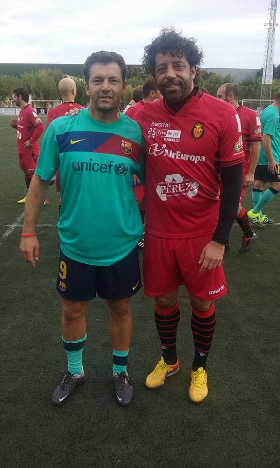 el-golejador-jaume-vidal-amb-ivan-campo-ex-jugador-del-r-mallorca-i-del-r-madrid